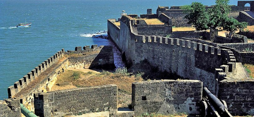 Gujarat Tour Diu Fort