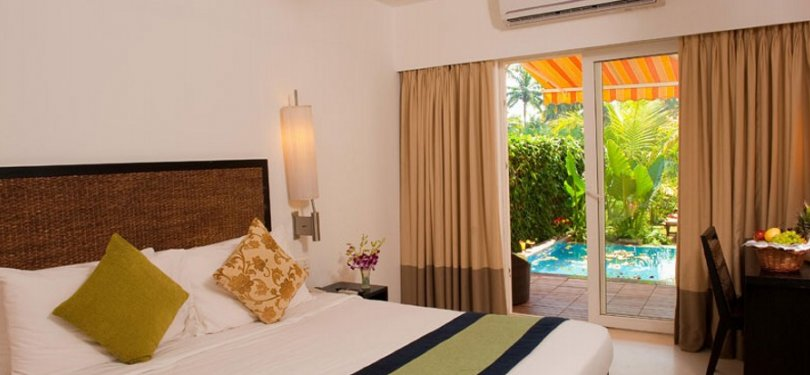 Royal Orchid Plunge Pool Room