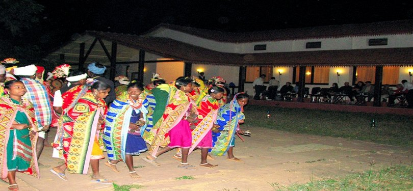 Infinity Kanha Wilderness Night Cultural Show