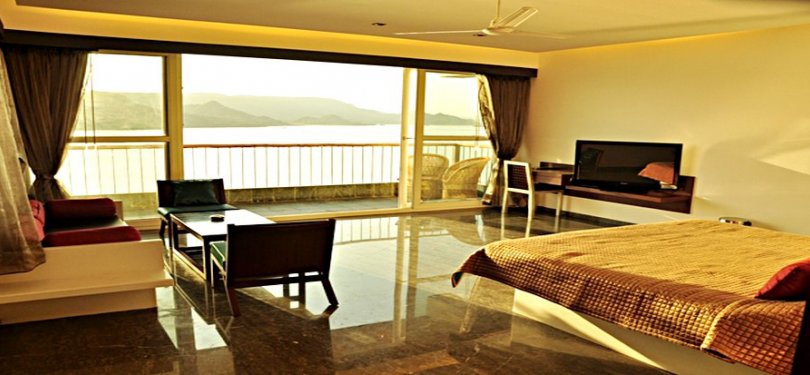 Jaisamand Island Resort Bedroom 1