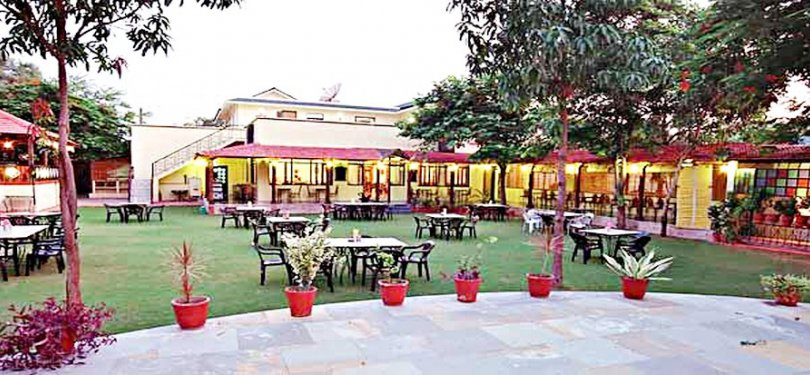 Open Dining at Amantra Shilpi Resort