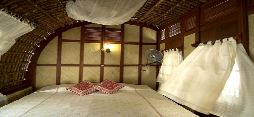 Spice Coast Cruises Bedroom