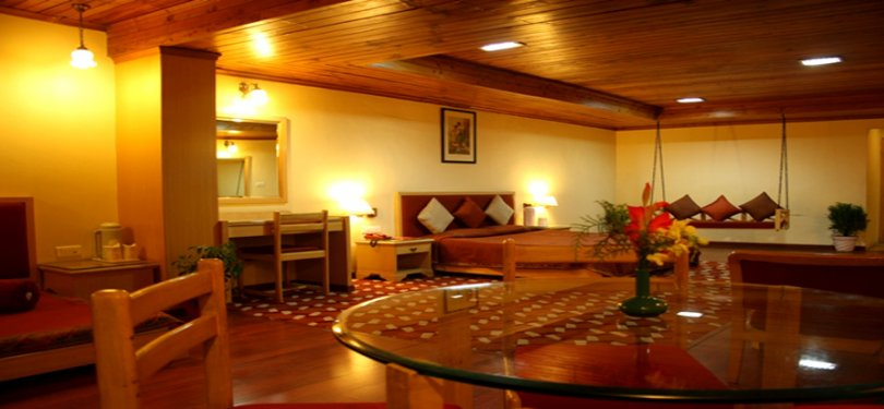 Manali Heights Guest Sitting Area