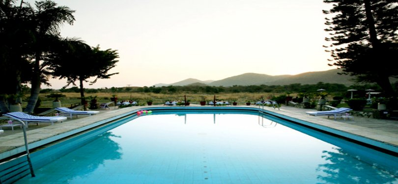 Shikarbadi Hotel Swimming Pool