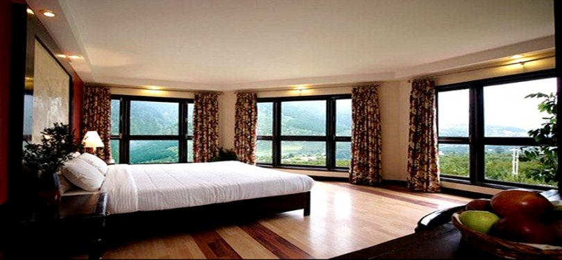 Club Mahindra Manali Bedroom 1