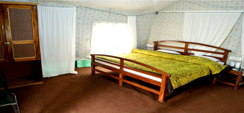 Corbett Machaan Resort Tent Room