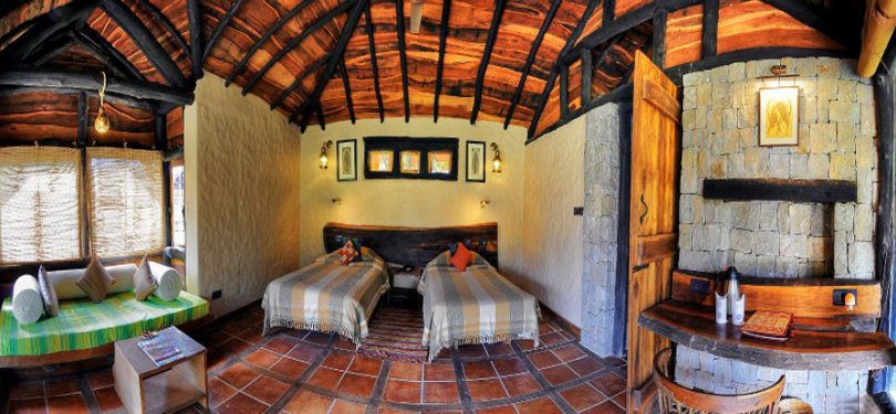 Kanha Earth Lodge Cottage Twin Bedroom