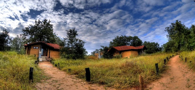 Kanha Earth Lodge Cottages