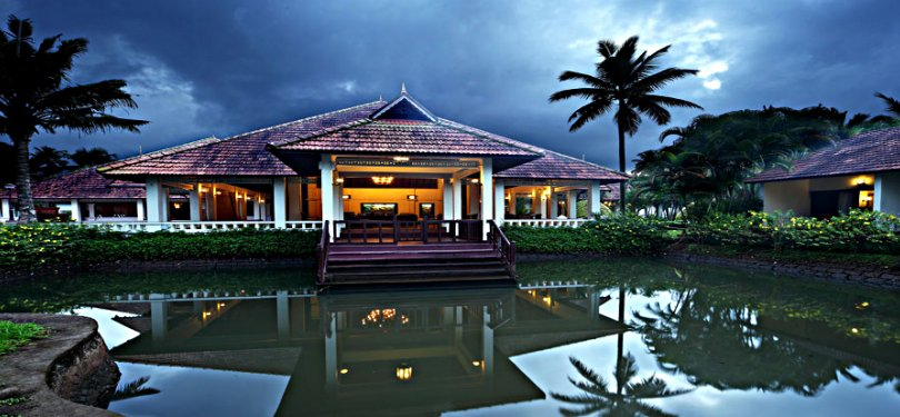 Whispering Palms Resort Kumarakam Lagoon