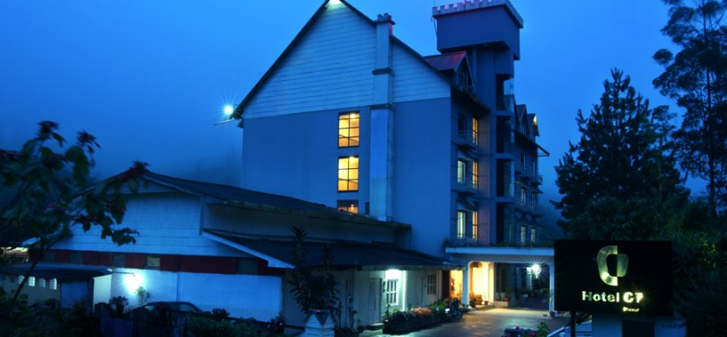 Hotel C7 Munnar Night View